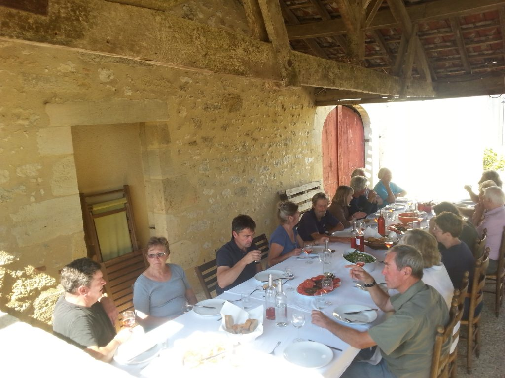 Grape-pickers' lunch